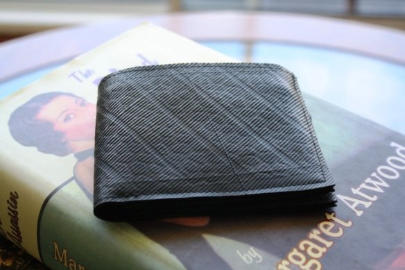 recycled_tyre_wallet_1024x1024